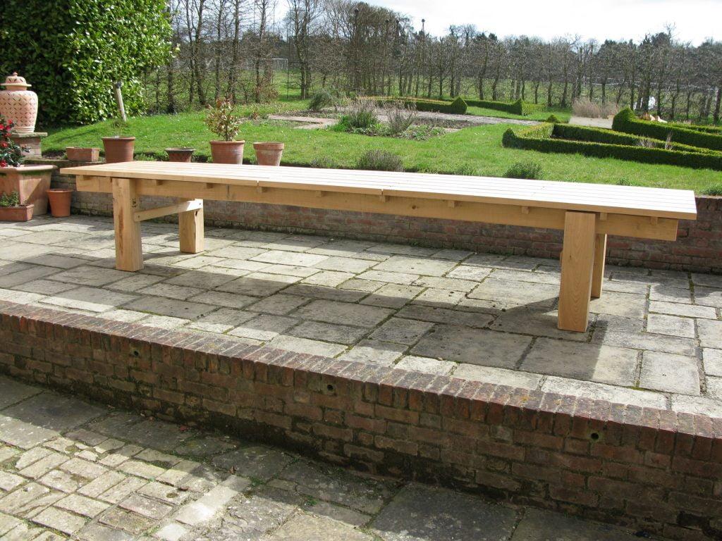 garden table sweet chestnut