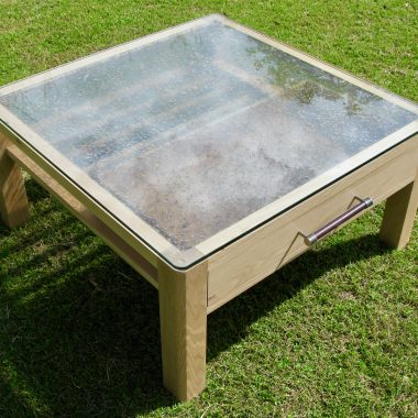 display coffee table in english oak and moneymush resin