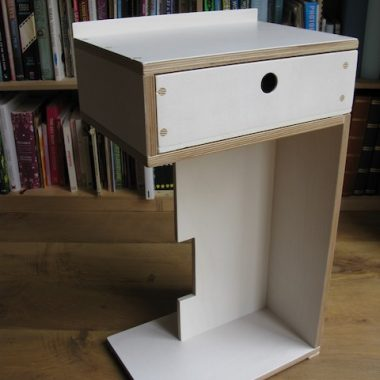 S-shape bedside table in tinted birch ply